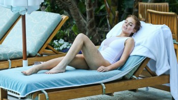 Lindsay Lohan - Sexy Wallpapers - Wide - x 3