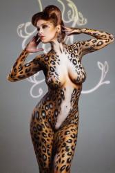 http://thumbnails112.imagebam.com/29568/03d55d295674893.jpg