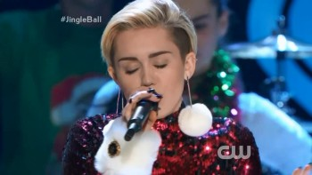 Miley Cyrus - We  can't stop - iheartradio.jingle.ball.2013