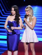 ADDS Beth Behrs & Kat Dennings @ 40th Annual People's Choice Awards in LA | January 8 | 18 pics + 12