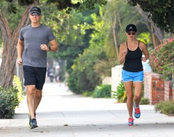 Reese Witherspoon - out for a jog in Santa Monica 1/19/14