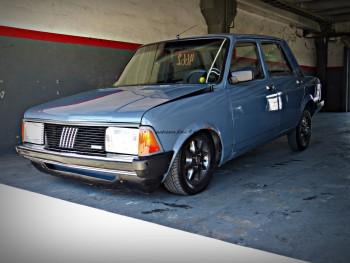 Fiat 128 enfierrados y bajitos fotos hd taringa for Interior 128 super europa