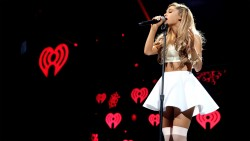 Ariana Grande - Widescreen wallpapers (16:9)