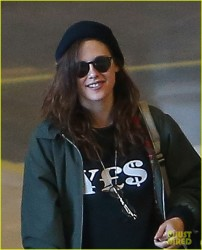 Kristen Stewart - Roissy Airport in Paris 2/3/14