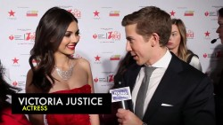 Victoria Justice - New York Fashion Week Interview 1080p