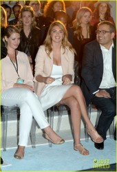 Kate Upton - Express South Beach Runway Show in Miami 3/13/14
