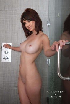 fdc86b314325095 Lacey Chabert Nude in Bathroom Shows her Boobs