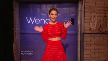 MARIA MENOUNOS THIGH vs THIGH - Wendy Williams 03.17.14