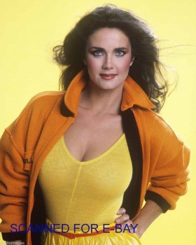 Lynda Carter: They're real and they're Spectacular: HQ x 1