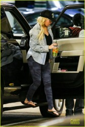 Christina Aguilera - at Triangle Medical Plaza in Beverly Hills 3/21/14