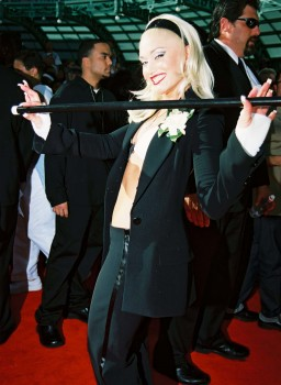 GWEN STEFANI - HQx1 - bikini top in suit