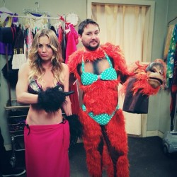 Kaley Cuoco - Behind The Scenes Pic From The Big Bang Theory