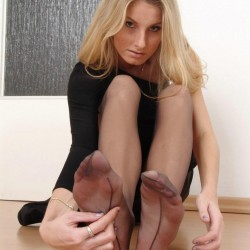 pantyhose wrapped feet