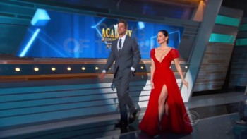 Olivia Munn - CLEAVAGE - 2014 ACM Awards 4/6/14
