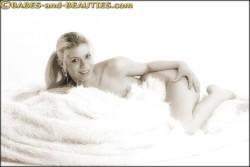 http://thumbnails112.imagebam.com/32096/cfd10d320955142.jpg