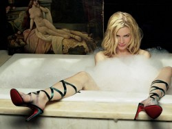 Renee Zellweger: Looking Absolutely Sultry In A Bathtub - Hq x 1