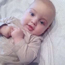 Iker sube una foto de Martin por el dia de la madre - 04/05/2014 8f6a7b324569019