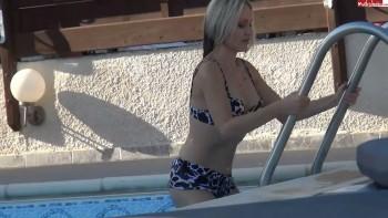 Teen fickt Stiefvater am Pool