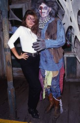 Tiffani Thiessen: Halloween ? - MQ x 1