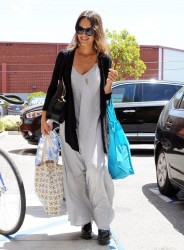Jessica Alba - Arriving to her office in Santa Monica 5/20/14
