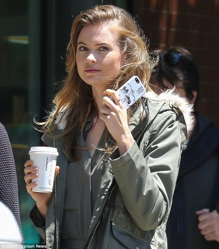 Behati Prinsloo - Photo shoot in NYC - x 8 lq