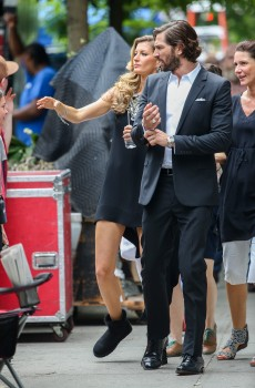 Gisele Bundchen - Filming Chanel commercial in New York City 05/27/2014