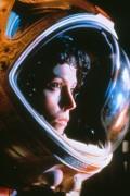 Чужой / Alien (Сигурни Уивер, 1979)  D947f2330369933