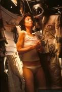 Чужой / Alien (Сигурни Уивер, 1979)  F8d0c8330369851