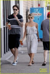 Kaley Cuoco - Leaving Starbucks in LA 6/1/14