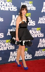 Crystal Reed cute on windy day @ 2011 MTV Music Awards