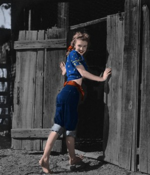 Marilyn Monroe - 25 Pictures - Colored by me:)