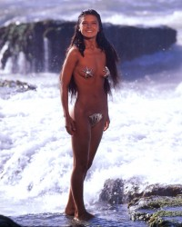 Catherine Zeta Jones: Almost Nude On The Beach - MQ x 1