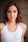 Allison Scagliotti - Robyn Von Swank photoshoot (5xMQ)