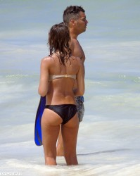 Jessica Alba Wearing a Bikini in Mexico on July 10, 2014
