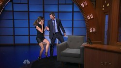 Keri Russell | Late Night With Seth Meyers | July 10, 2014 720p | Leggy