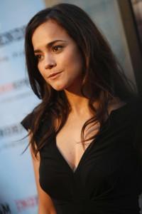 Alice Braga Redbelt Hollywood Premiere Los 1