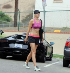 Maria Sharapova Exercising at Manhattan Beach - July 16, 2014