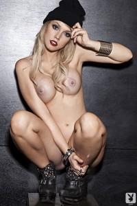http://thumbnails112.imagebam.com/34070/1d7039340696363.jpg