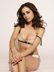 Eliza Dushku - Sexy Outtakes From Maxim