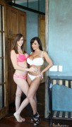 Lisa Ann, Holly Michaels - Young Voyeur (10/30/12) x10