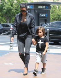 Kim Kardashian - Going to a movie theater in Calabasas 8/19/14