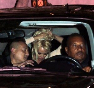 0330f0346464337 Pamela Anderson leaving Chateau Marmont in Los Angeles, August 20 x 21 HQs candids