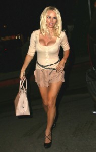 308808346464342 Pamela Anderson leaving Chateau Marmont in Los Angeles, August 20 x 21 HQs candids