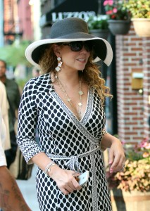 Mariah Carey @ Bar Sfizi Pizza in Tribeca August 26,