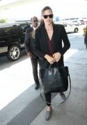 Jennifer Garner Arrives at the Los Angeles International Airport September 4-2014 x13
