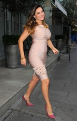 Kelly Brook Seen Leaving Her Hotel 09-09-2014 (Ass Shot)