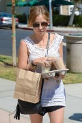 Sarah Michelle Gellar | Out & about in Brentwood | September 13 | 8 pics