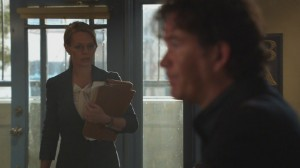Jeri Ryan-Leverage S2:The Lost Heir Job Vidcaps(Itunes)