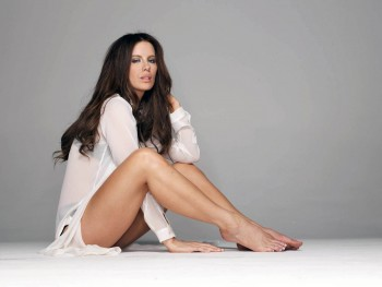 Kate Beckinsale - Wallpaper - 1600 x 1200 - x 1