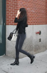 Kendall Jenner - Arriving at her apartment in NYC 10/15/14